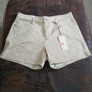 Levi's Women's Shorts Size 14 NWT